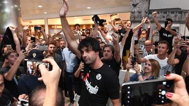 Teodosic sbarca a Bologna: tifosi in delirio