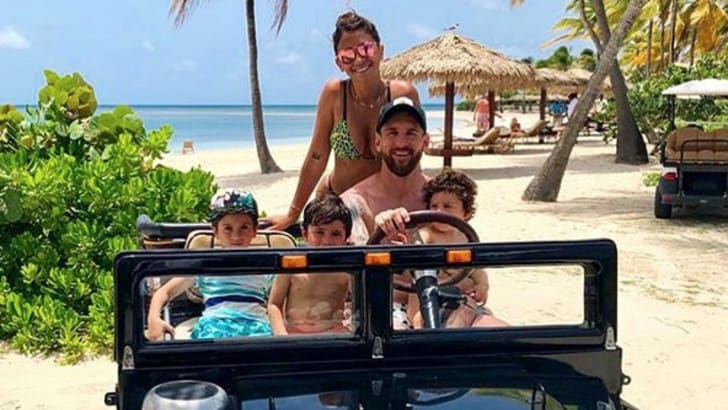 Cristiano Ronaldo segna, Messi nei Caraibi dà spettacolo in spiaggia