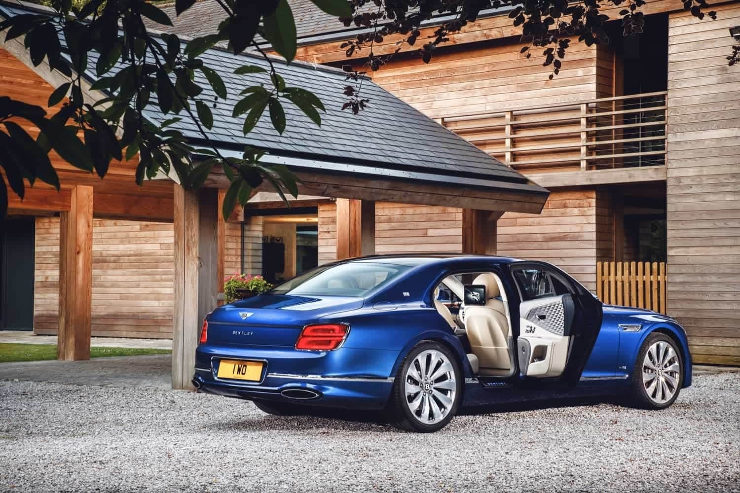 Bentley Flying Spur First Edition: tutte le foto