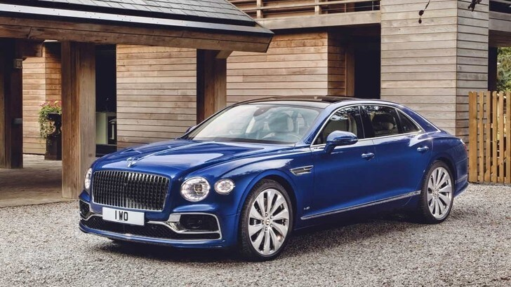 Bentley mette all'asta la nuova Flying Spur
