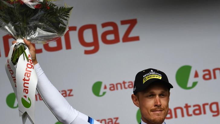 Tour de France, tappa a Trentin. Alaphilippe staccato ma resta in giallo