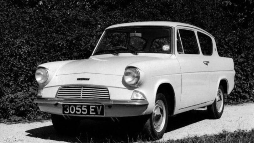 Harry Potter e Ford Anglia 105 E: la macchina volante e invisibile