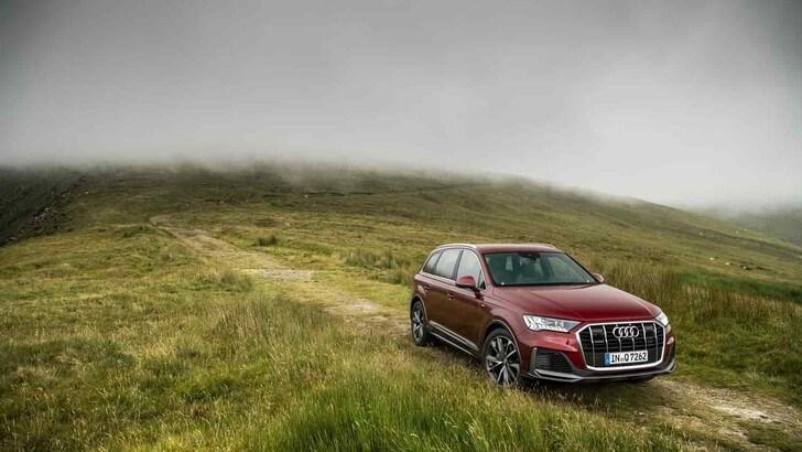 Audi, test su strada con la Q7