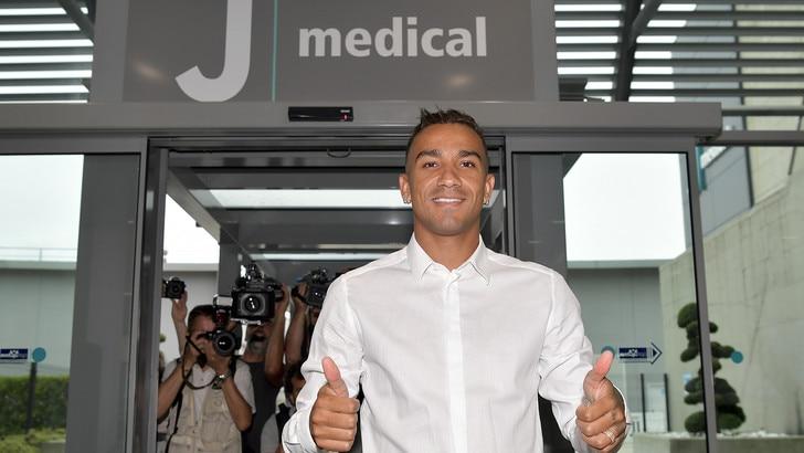 Juve, Danilo lascia il J Medical: terminate le visite mediche