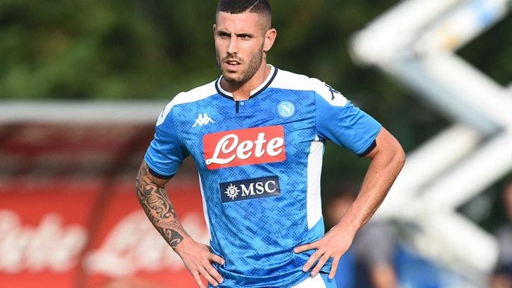 Napoli, ufficiale la cessione in prestito di Tutino al Verona
