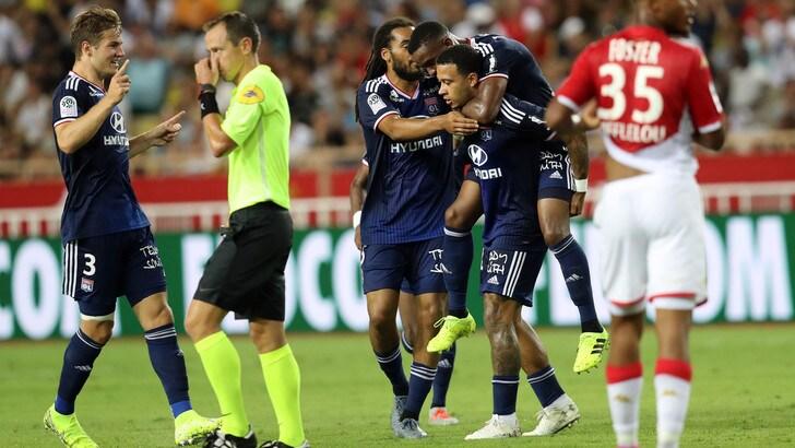 Lione show, 3-0 al Monaco nella prima di Ligue 1