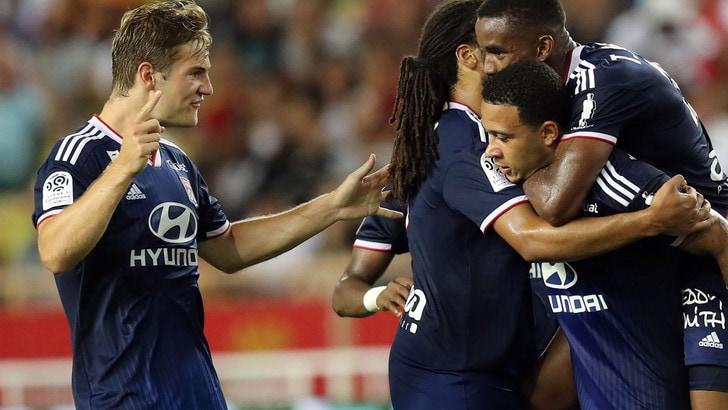 Lione-Angers 6-0: doppiette per Dembele e Depay