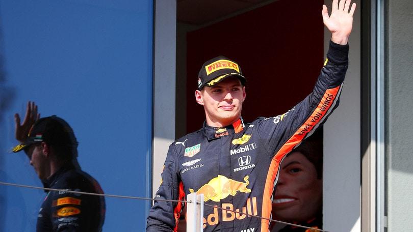 "Red Bull, Verstappen: ""La Mercedes decide quando spingere"""