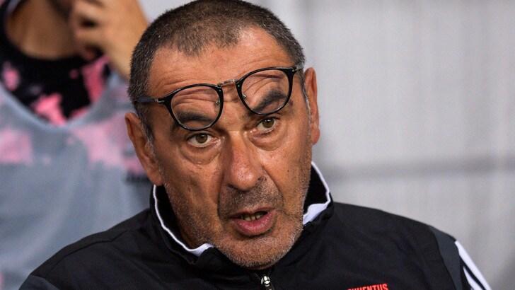 """Sarri: """"Dybala? Sei giocatori vanno tagliati"""""""