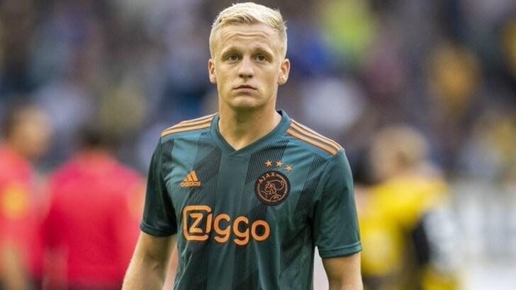 Van de Beek: «Ci sono molte possibilità che resti all'Ajax»