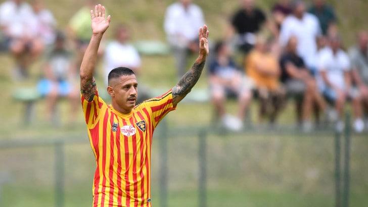 Lecce, Lapadula indosserà la maglia numero 9. Il 13 a Rossettini