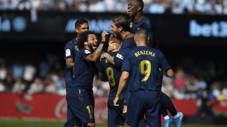 Liga, il Real Madrid parte forte: 3-1 al Celta Vigo. Finale thriller a Valencia