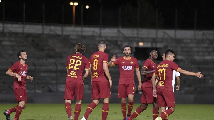 Roma, 3-1 all'Arezzo: a segno Perotti, Dzeko e Kluivert