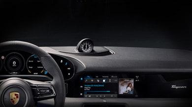 Porsche Taycan, ecco gli interni: la novità è Apple Music