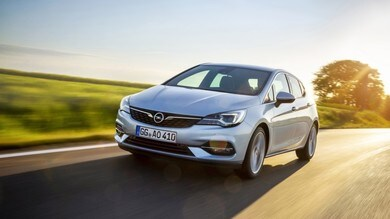 Opel Astra, l'aerodinamicità domina il restyling