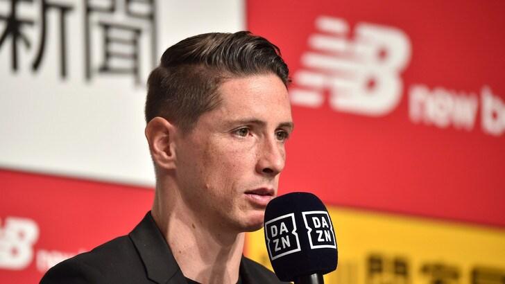"Fernando Torres si ritira. Iniesta: ""Sarai sempre El Niño"""