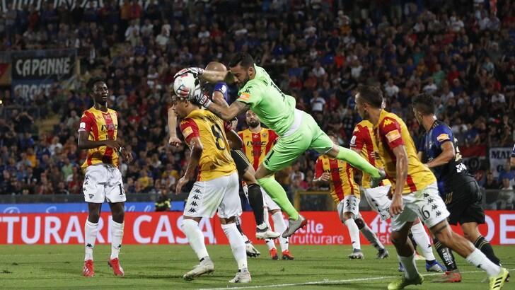 La serie B si apre senza gol: Pisa-Benevento 0-0, Montipò eroe nel finale