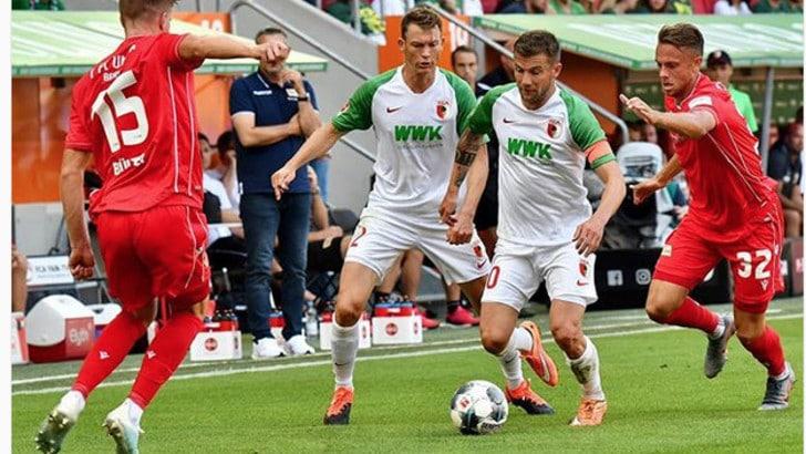 Lichtsteiner, esordio con la nuova maglia in Bundesliga