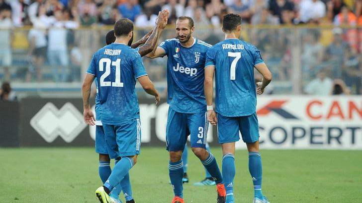 Nuova Juve come la vecchia: successo a Parma con Chiellini. CR7 bloccato dal Var