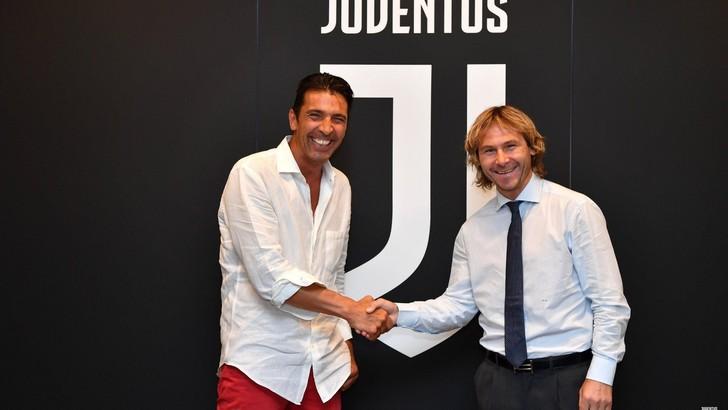 La Juve ricorda l'esordio di Buffon e Nedved di 18 anni fa