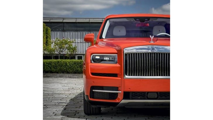Rolls Royce, Fux colleziona auto di lusso e colori esclusivi