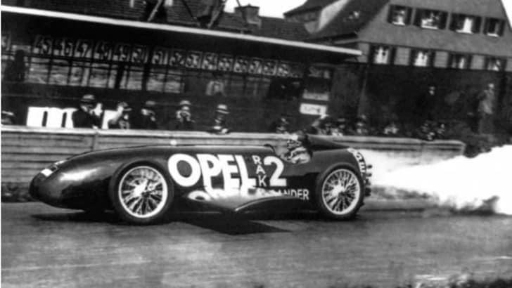 Opel, 90 anni fa la RAK 2 sfrecciava per il record
