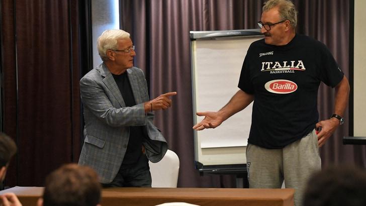 Lippi fa visita all'Italia del basket: