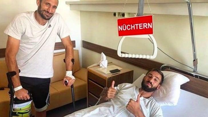 Chiellini, visita a Pavoletti dopo l'operazione