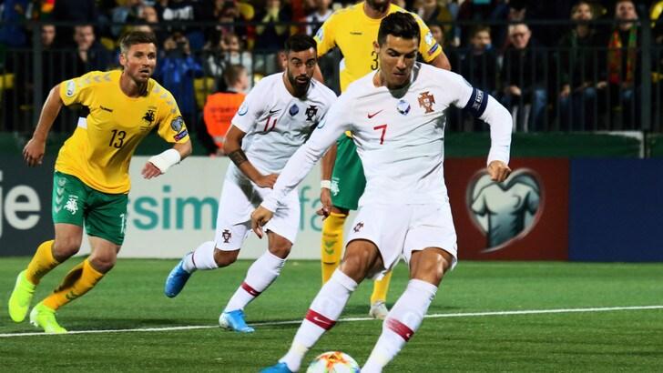 Ronaldo show, poker con il Portogallo: vincono anche Francia, Turchia e Inghilterra