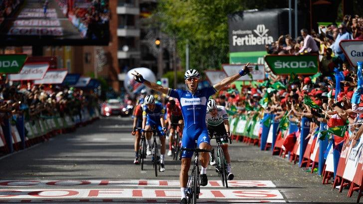Vuelta, Gilbert vince la 17ª tappa. Quintana attacca, Roglic resta leader