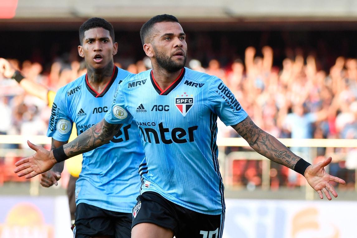 """Dani Alves rivela: """"Potevo tornare alla Juve"""""""