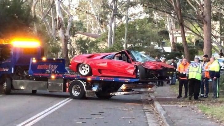 Australia, Lamborghini Diablo distrutta in un crash