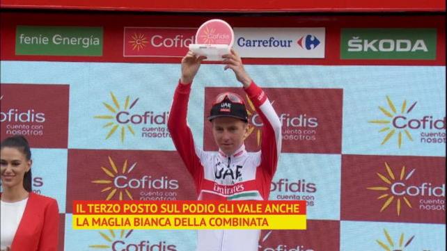 Vuelta - Incredibile Pogacar: tris, maglia bianca e podio