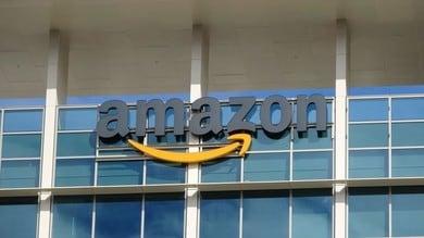 Amazon ordina a Rivian 100mila furgoni green