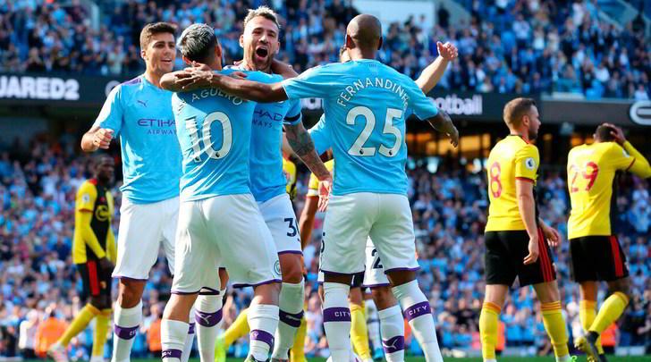 Premier League: il Manchester City travolge il Watford, Tottenham ko a Leicester