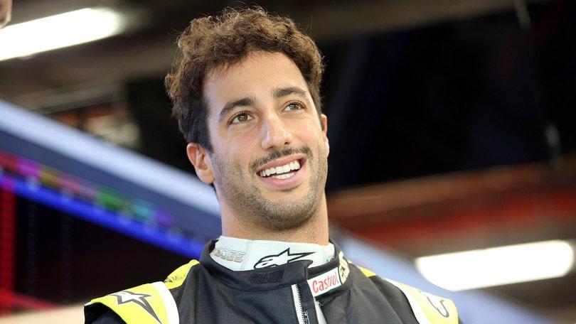 Gp Singapore: Ricciardo escluso dalla qualifica, irregolarità al MGU-K