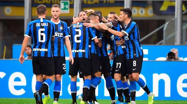 L'Inter di Conte non si ferma. Napoli, clamoroso ko in casa