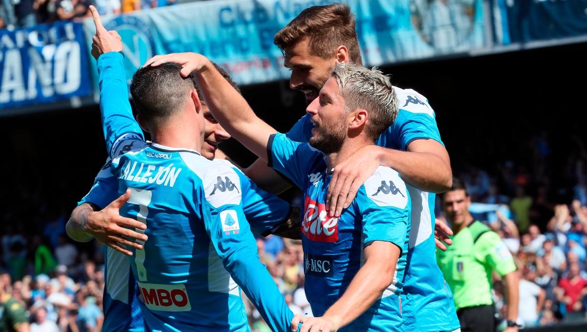 Napoli col brivido. Arrivano i tre punti contro il Brescia grazie a Mertens e Manolas