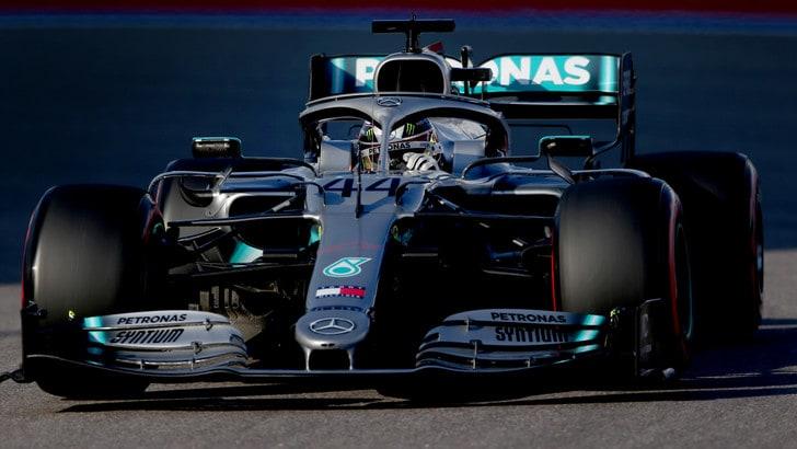 Gp Russia: La Ferrari sciupa, trionfa Hamilton. Terzo Leclerc, Vettel ko