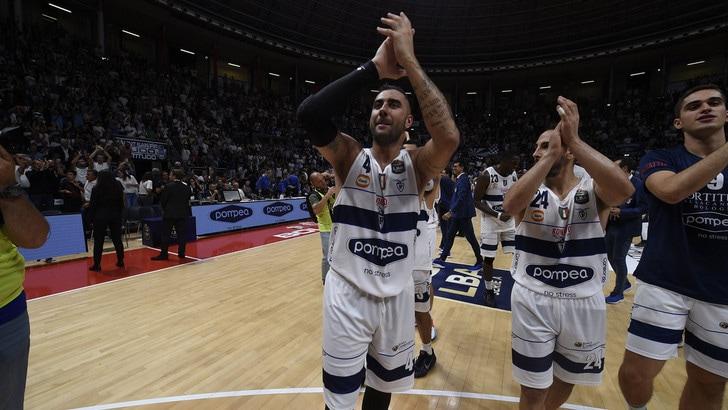 Olimpia Milano ko in casa contro Brescia. Vittorie per Fortitudo e Virtus