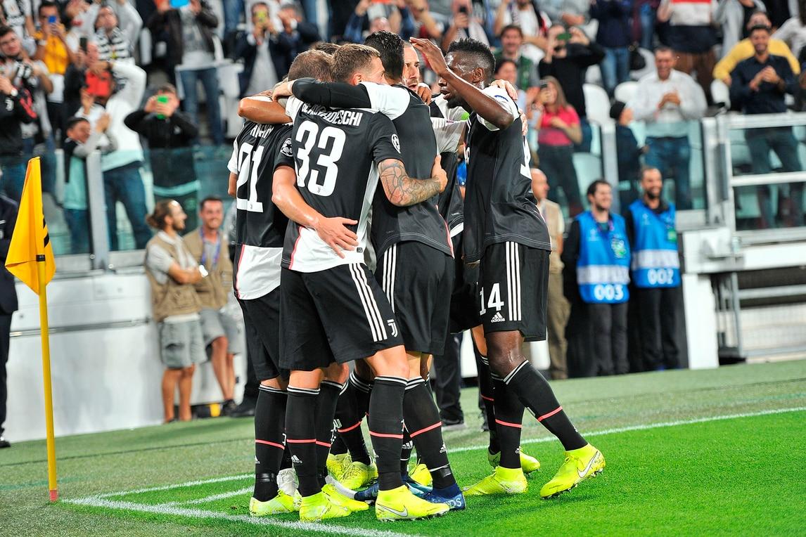 Higuain-Bernardeschi-Ronaldo: tris Juve in Champions