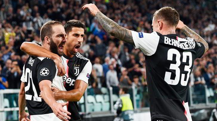 Juve-Bayer Leverkusen 3-0: Higuain trascinatore, Sarri applaude