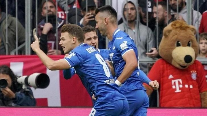Bundesliga, Bayern Monaco ko in casa. Aggancio Leverkusen in vetta