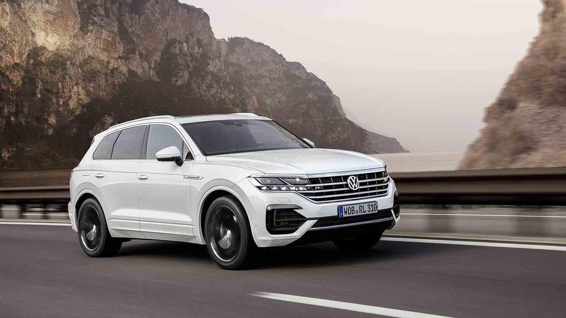 VW Touareg, prima volta su strada: gli scatti