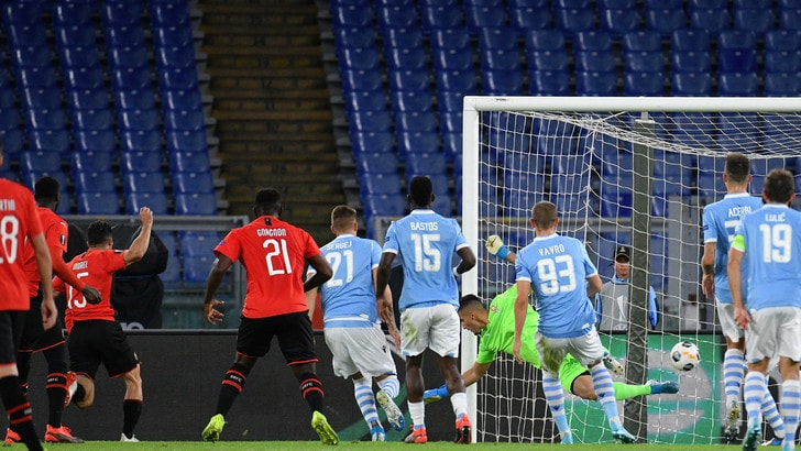Condotta razzista dei tifosi: procedimento Uefa contro la Lazio