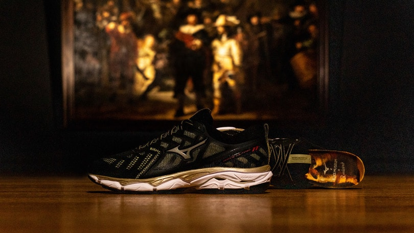 "Mizuno veste la Wave Ultima 11 Amsterdam con il capolavoro di Rembrandt ""The Night Watch"""