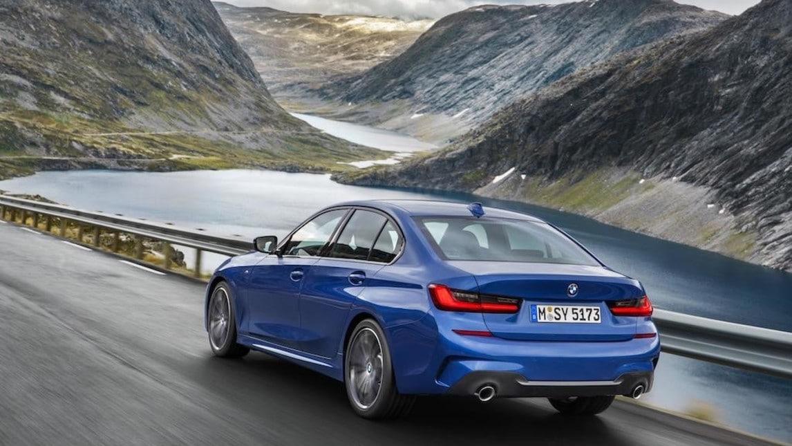 Nuova BMW Serie 3, gli scatti