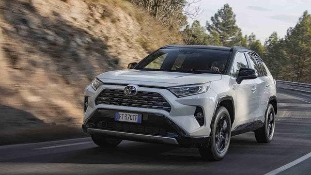 Toyota Rav4, il test: le immagini