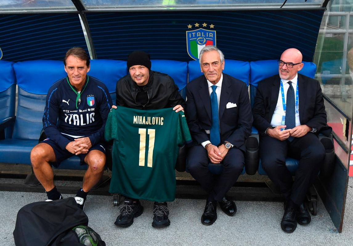 Mihajlovic va da Mancini: e il ct gli regala la 11 dell'Italia!