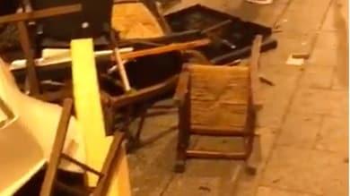 Cagliari: tifosi polacchi devastano il centro, danni in due ristoranti
